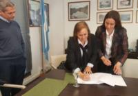 Firma de convenio entre InSuTec y Pampa Energía
